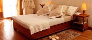 chambre luxe la residence1 300x131 Les bonnes raisons de choisir l'Hôtel La Résidence