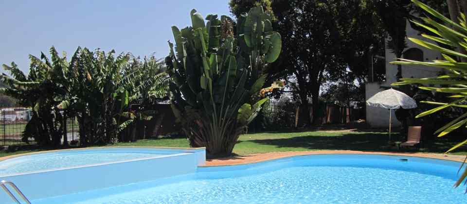 vue piscine hotel la résidence